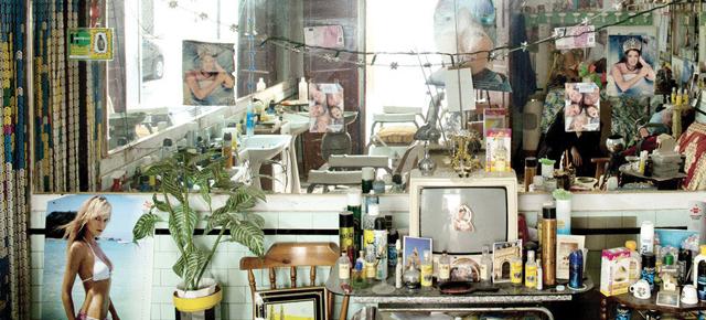 Emma Grosbois capture les autels domestiques